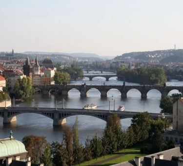 prague-bridgesview-500